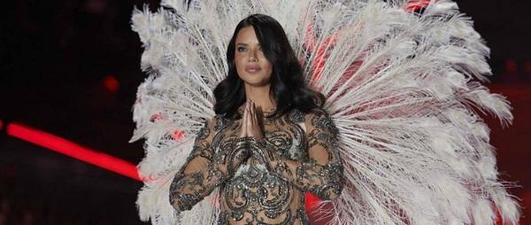 Victoria's Secret televisa su nueva propuesta de cuadros tartán y flores