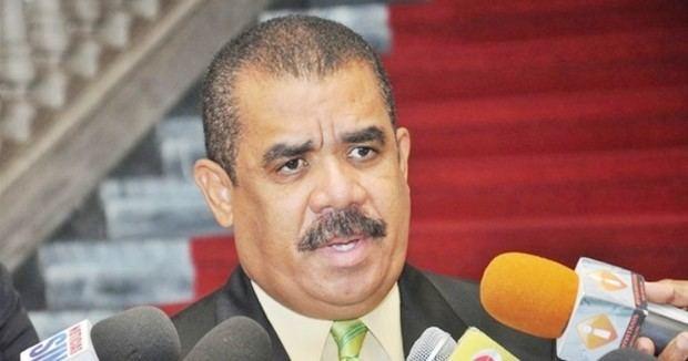 Senador Adriano Sánchez Roa aseguró este domingo que los legisladores abrirán el camino para la reelección del presidente Danilo Medina.