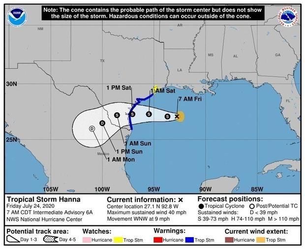 Fotografía cedida este viernes por el Centro Nacional de Huracanes (NHC) de Estados Unidos donde se muestra el pronóstico de 5 días del paso de la tormenta tropical Hanna por el golfo de México y su entrada por Texas al territorio estadounidense.