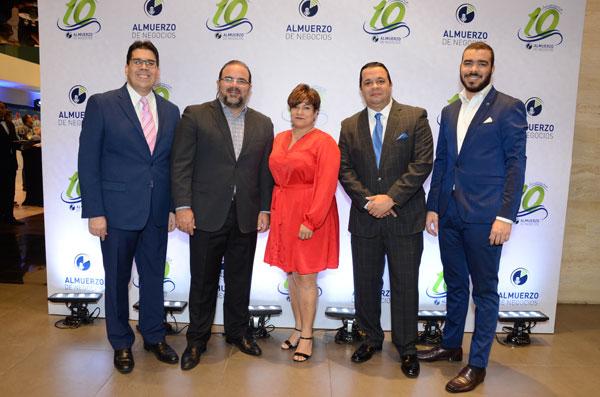 José Luis Ravelo, Claudio Hirujo, Erika Valenzuela, Rafael Fernández y Eriden Estrella.