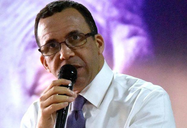 Navarro quiere a Castillo o Domínguez Brito en su boleta como vicepresidentes