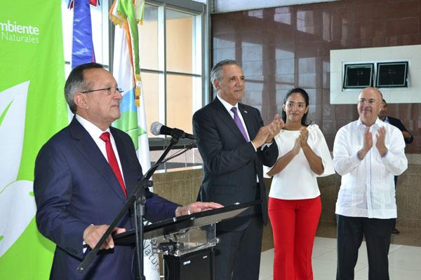 Ángel Estévez toma posesión como nuevo ministro de Medio Ambiente