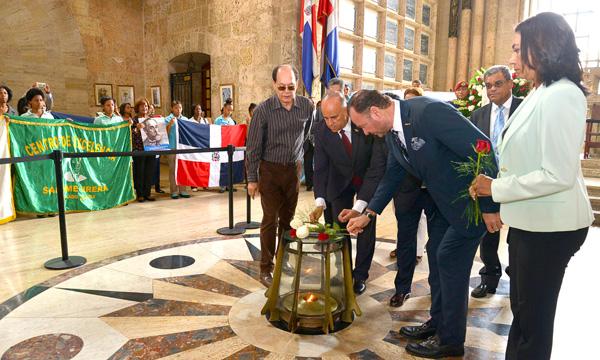 Se rindió honores en el Panteón de la Patria