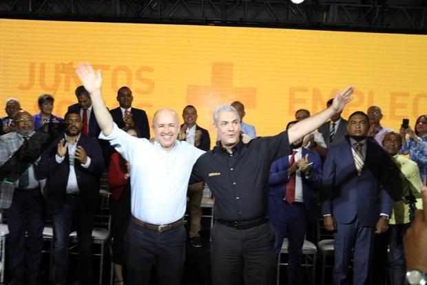 El exprecandidato peledeísta Francisco Domínguez Brito manifestó su apoyo al exministro Gonzalo Castillo  en las elecciones primarias.