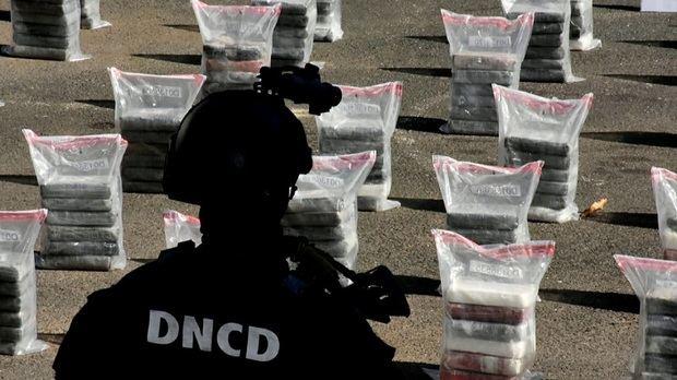 Detienen a cinco personas en Puerto Caucedo con 447 paquetes de cocaína.
