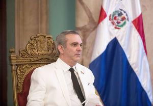El presidente de República Dominicana, Luis Abinader, participa de una ceremonia, hoy, en el Palacio Nacional, en Santo Domingo, República Dominicana.