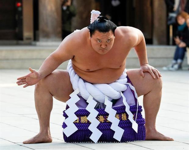 Hakuho, el luchador de sumo más laureado, da positivo por coronavirus
