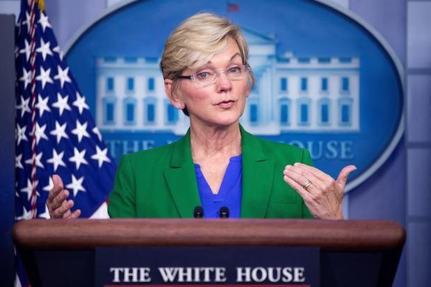 La secretaria de Energía de Estados Unidos, Jennifer Granholm, habla en una conferencia de prensa en la Casa Blanca en Washington, EE.UU.