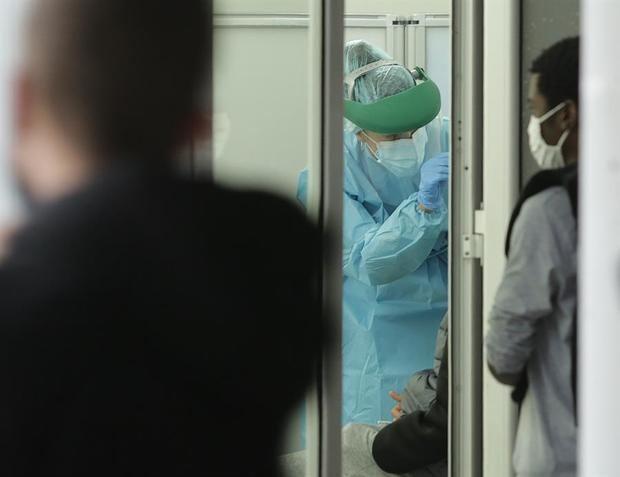 España suma 19.765 nuevos contagios por coronavirus y 168 fallecidos más