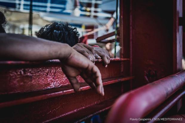 Italia autoriza a los 180 migrantes del