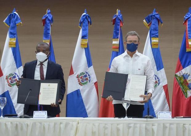 República Dominicana y Haití abren canales de comunicación para trabajar en agenda-futuro