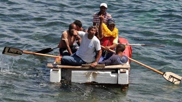 Grupo de 16 balseros cubanos llega a isla de Guanaja, en el Caribe hondureño