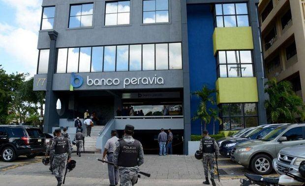 Condenan a prisión a 5 de los 8 imputados por el fraude del Banco Peravia