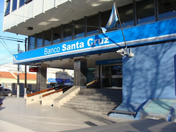 Banco Santa Cruz realiza simulacro de evacuación
