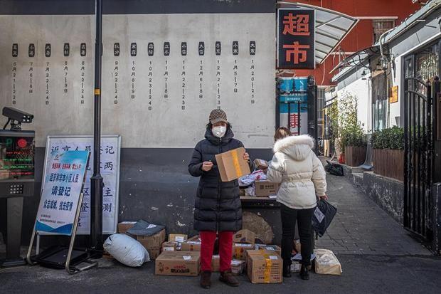 Las muertes por el coronavirus en China se elevaron en las últimas 24 horas a 97 hasta alcanzar los 2.442 fallecidos, y se registraron 648 nuevos infectados hasta un total de 76.936, informó hoy la Comisión Nacional de Salud del país asiático.
