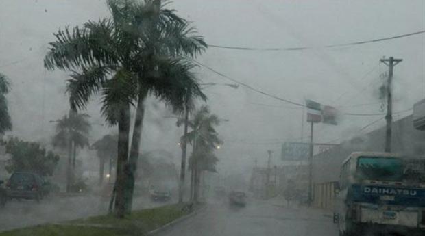 Lluvias dispersas seguirán por la vaguada