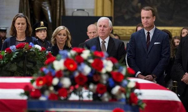 Despiden a Bush, el líder que encontró