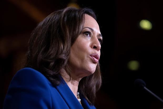 Harris pide ayuda a empresarios latinos para que voten todos en su comunidad