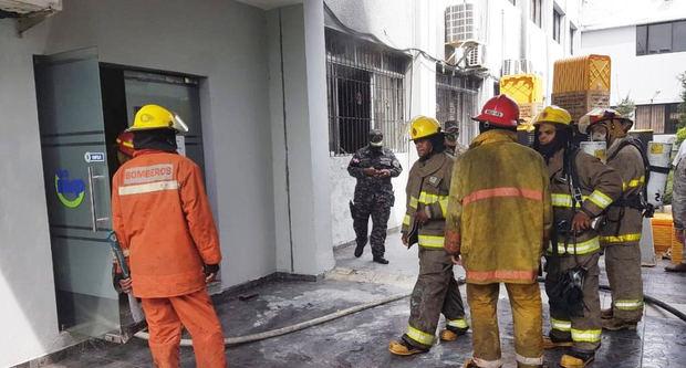 Controlan un conato de incendio en el Ministerio de Salud Pública