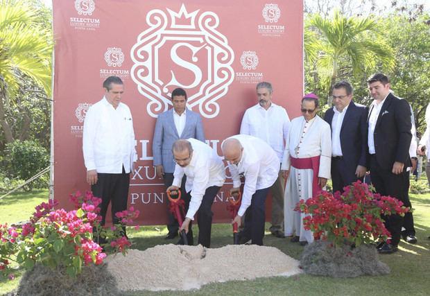 Danilo Medina participa en primer palazo para construcción Selectum Luxury Resort