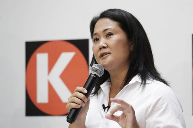 Fujimori sube, pero Castillo sigue como favorito en la intención de voto en Perú