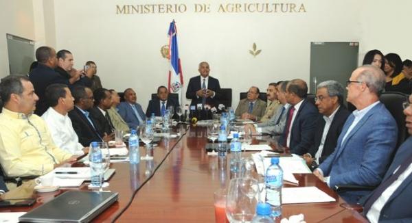 Ministro Osmar Benítez se reúne con instituciones sector agropecuario para su coordinación
