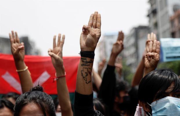 HRW urge a Japón a suspender sus ayudas no humanitarias a Birmania