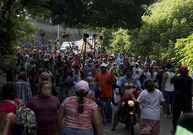 Cientos de personas desafiaron este sábado a la Iglesia católica y a la pandemia en Nicaragua, al realizar una fiesta pagana en sustitución de la celebración popular en honor de Santo Domingo de Guzmán.