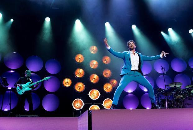El artista español que más discos vendió en 2020, David Bisbal, vuelve a la carretera con su gira 'En tus planes 2021', que arranca esta noche en el Wizink Center de Madrid con un aforo aproximado de 5.000 personas.