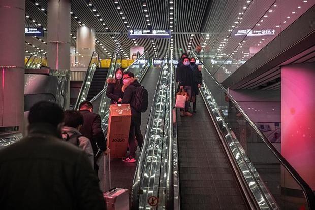 China eleva a 2 mil 912 los fallecidos por el coronavirus