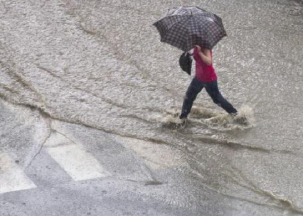 COE declara tres provincias en alerta verde por lluvias