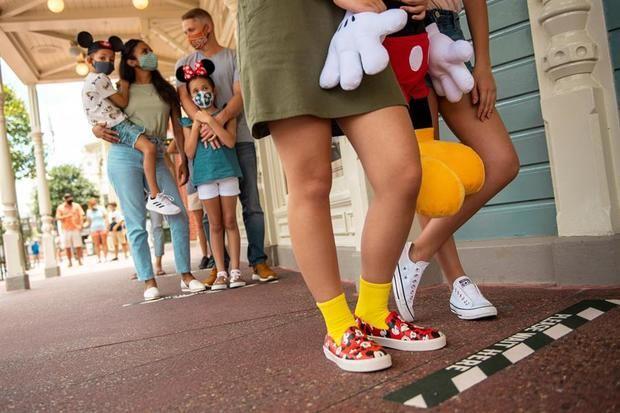 Mickey Mouse abre su casa en Florida a pesar de la amenaza del Covid-19