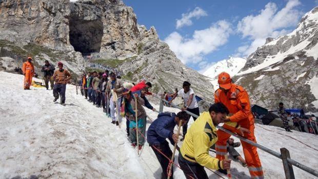 Un 99% de los turistas abandonan la Cachemira en la India tras orden de autoridades