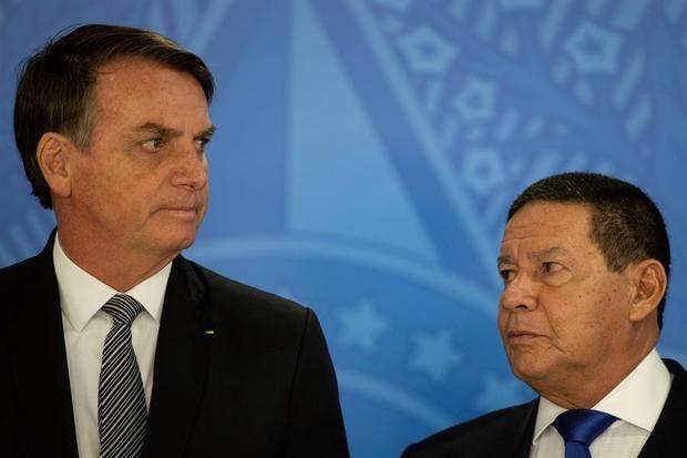 Algunos asesores de Bolsonaro buscan tergiversar hechos, dice el vicepresidente