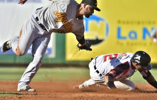 Águilas Cibaeñas vencen Leones con cinco vueltas en el noveno inning