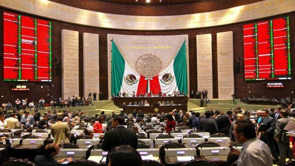 Mayoría en Congreso mexicano propone bajar financiación a partidos políticos