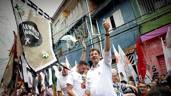 Culmina la campaña y un Brasil polarizado elige entre Bolsonaro y Haddad