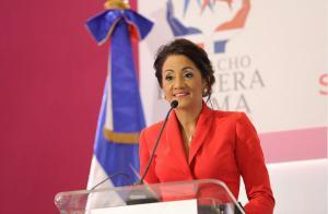 Primera Dama Candida Montilla de Medina