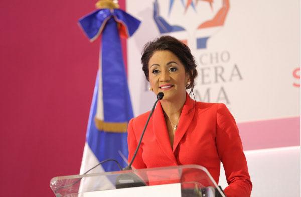 Despacho Primera Dama realiza jornada contra cáncer cervicouterino y de mama