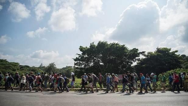 Más de 2.000 migrantes salen de Ciudad de México y el resto lo hará mañana