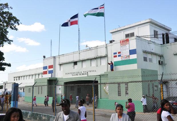 Suspenden las visitas presenciales a presos por incremento de covid-19.