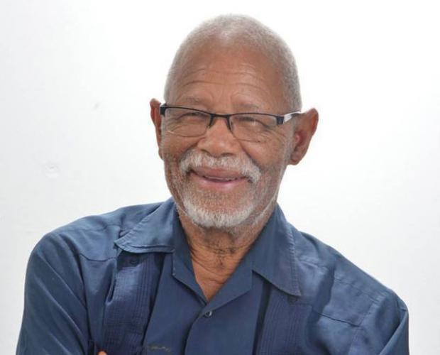 Adompretur lamenta muerte del periodista y escritor Carlos Acevedo