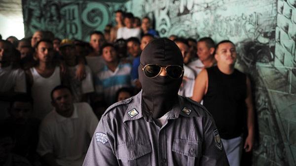 Panamá y EE. UU. colaborarán en combate a crimen organizado en las cárceles