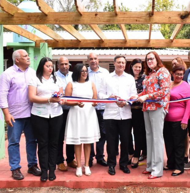 Inauguran Casa de la Mujer en Salcedo contra violencia de género