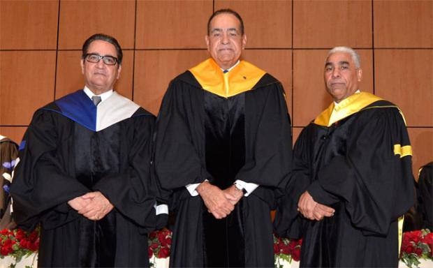 UASD reconoce al doctor Julio Amado Castaños como profesor honorario