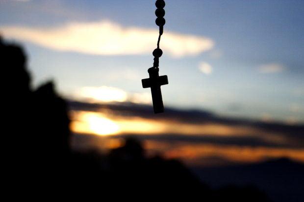La Iglesia católica llama a orar dos horas el domingo para frenar el COVID-19