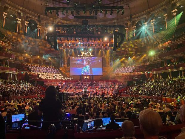 Imagen del Royal Albert Hall de Londrés durante el concierto celebrado en conmemoración del 150 aniversario de la sala de conciertos londinense.