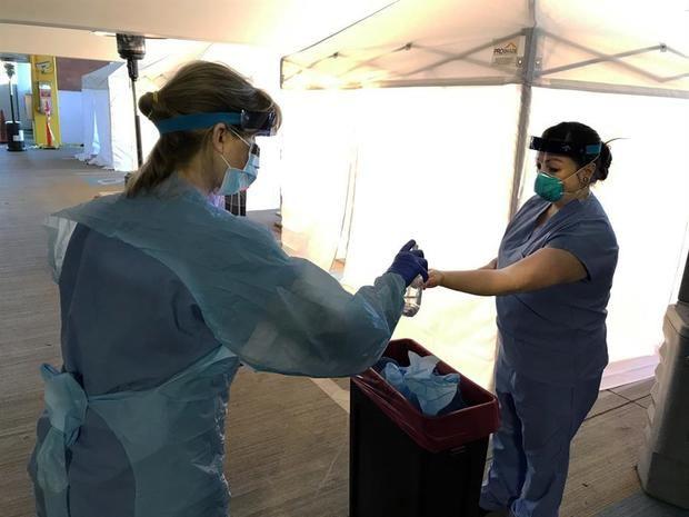 Llegan a EE.UU. las pruebas del coronavirus sin bajarse del automóvil