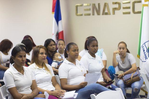Adolescentes invitadas a las charlas.