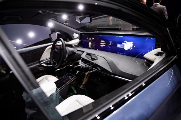 El automóvil eléctrico Byton M-Byte se exhibe durante la conferencia de prensa de Byton en el 2020 International Consumer Electronics Show (CES) en Las Vegas (Nevada, EE. UU.).